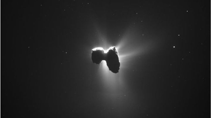 -89043889-comet-on-27-march-2016-navcam-1
