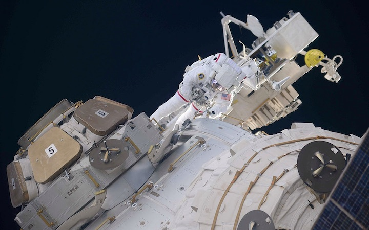 100-spacewalk-iss-ab