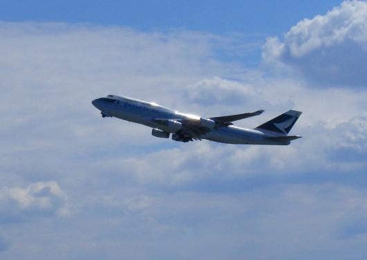 2012-05-gglb-Cathay Pacific - Boeing-B-747