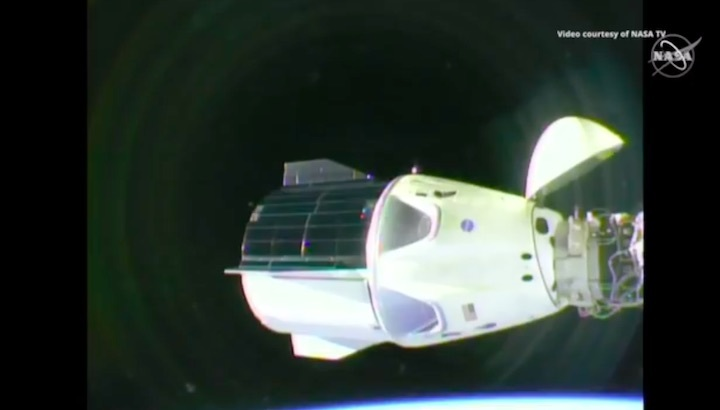 2019-dragon-crew-abdocking-aa