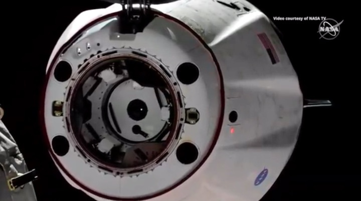 2019-dragon-crew-abdocking-ae