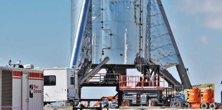 boca-chica-starhopper-raptor-sn06-installation-071119-nasaspaceflight-bocachicagal-3-crop-c