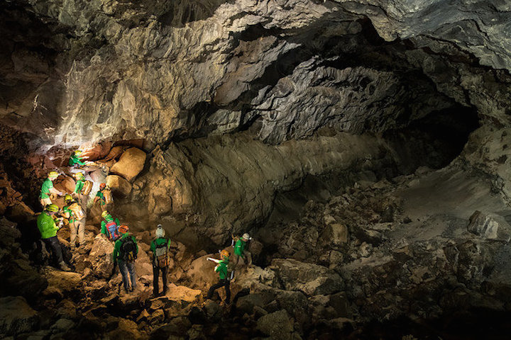 chain-work-at-the-lava-tube-no