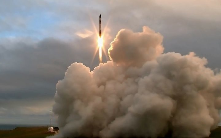 eight-col-rocket-lab-lift-off-