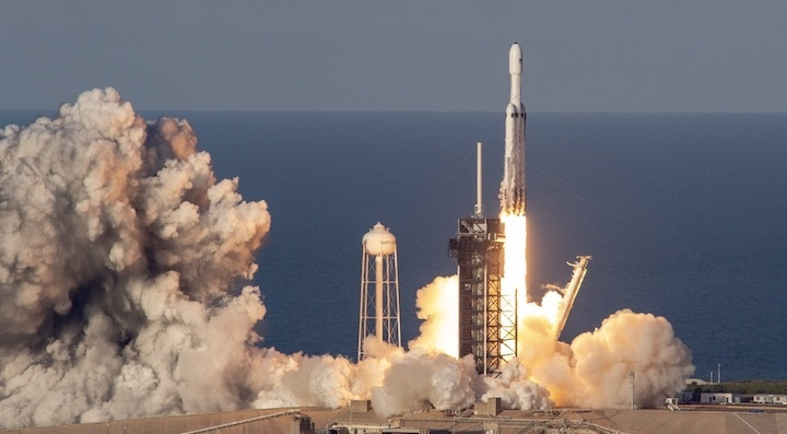 falconheavy-arabsat6anew