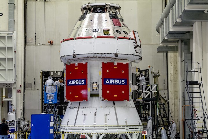 nasa-orion-spacecraft--radislav-sinyak