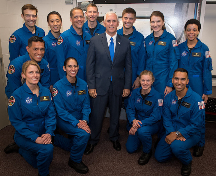 pence-with-12-astronauts