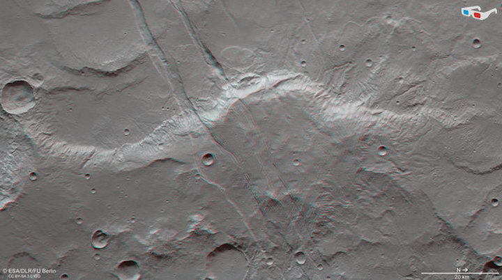 sirenum-fossae-in-3d-large