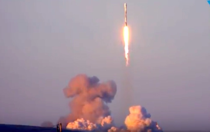spacex-falcon9-iridium5mission-13