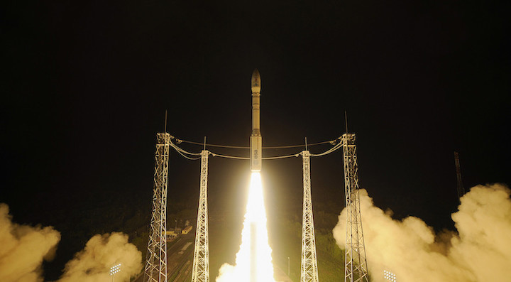 vega-liftoff-lisa-pathfinder-2015-12-03-879x485